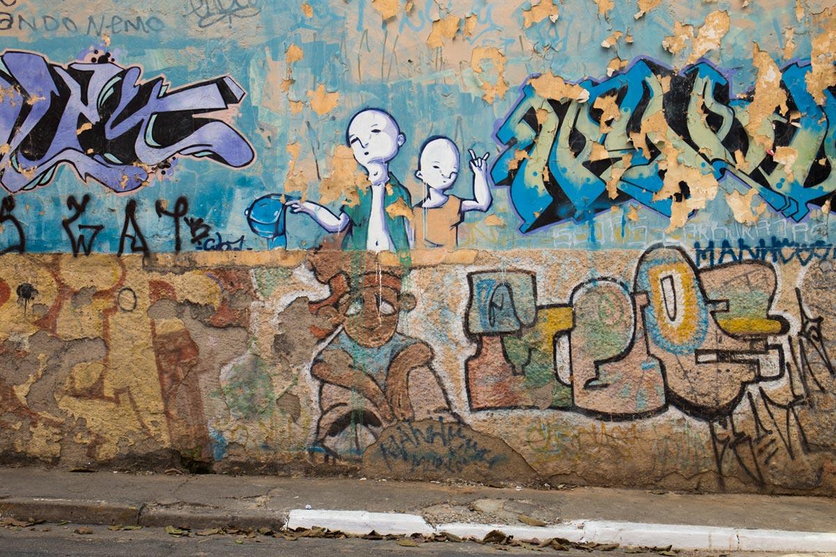 """Graffiti"" em f/8 1/90 ISO100 @ 24mm."