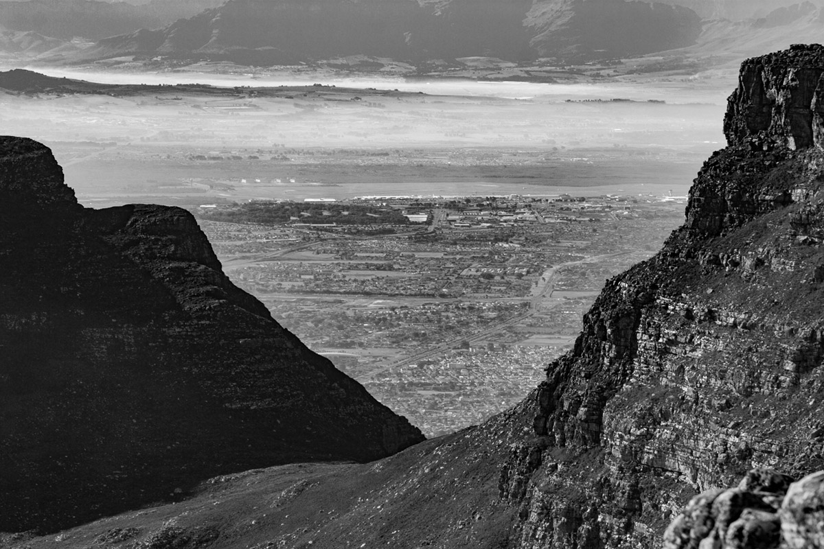 """Table Mountain"" em f/8 1/320 ISO100 @ 100mm."