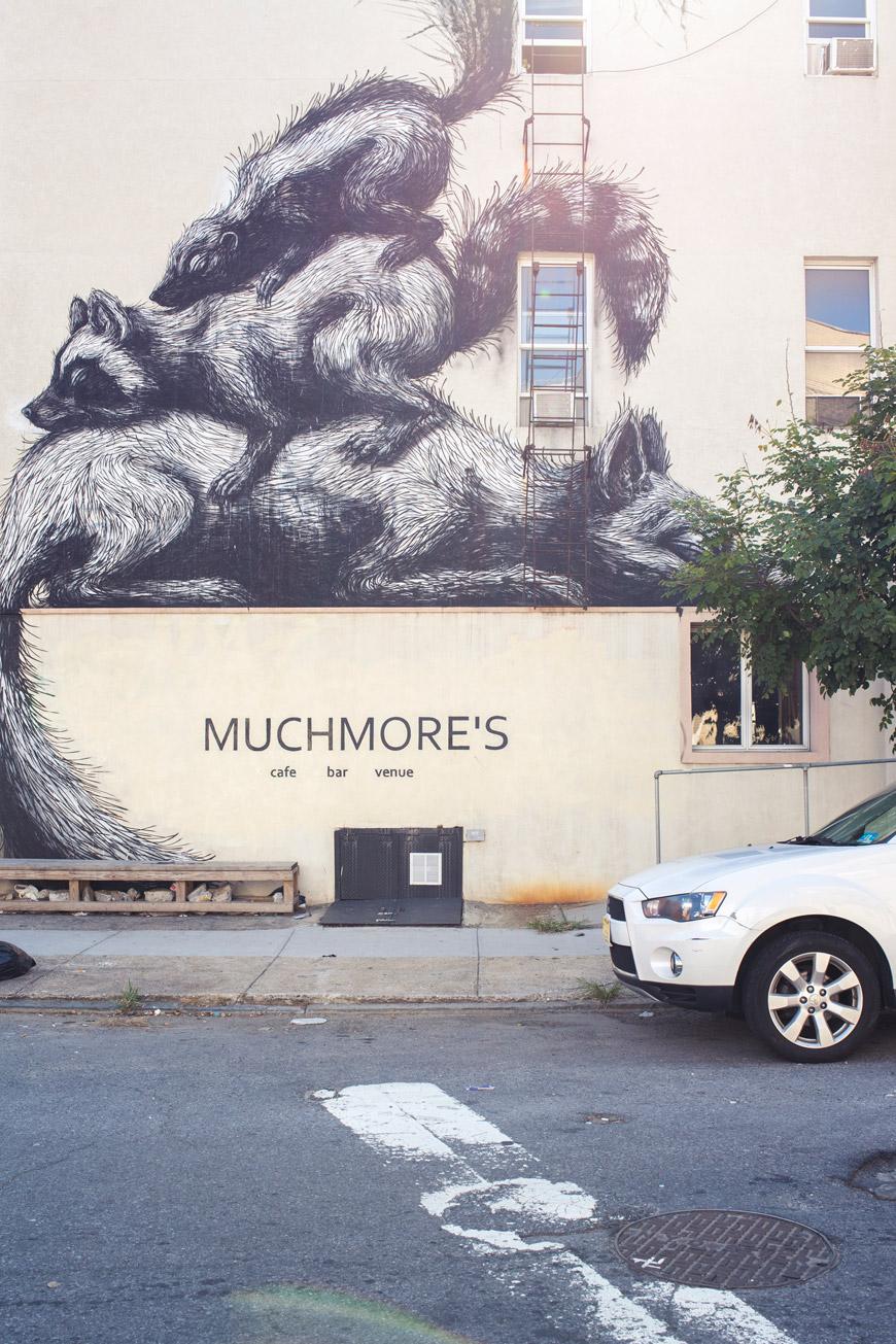 """""""Muchmore's"""" em f/8 1/200 ISO200; flaring e distorção geométrica."""