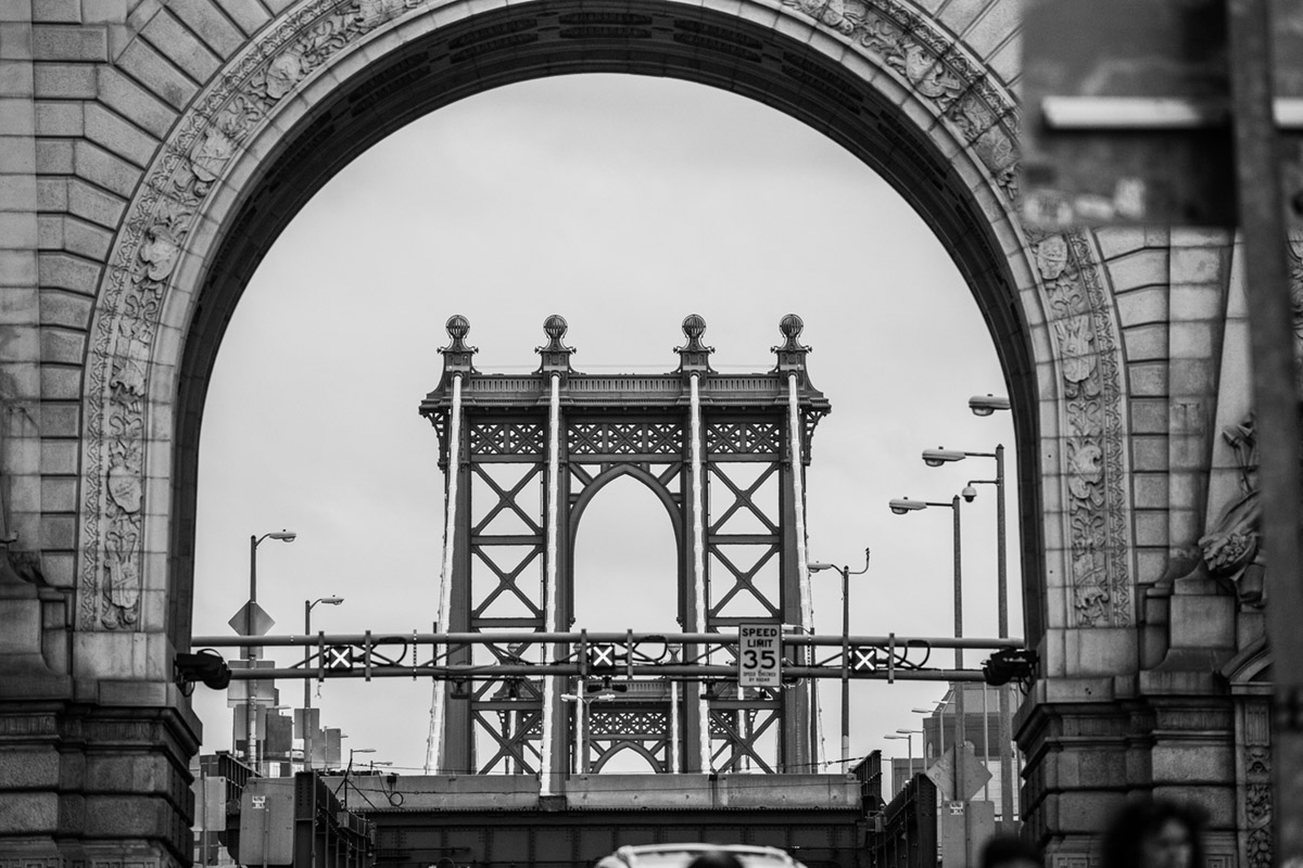 """Manhattan Bridge"" em f/5.6 1/640 ISO1000 @ 300mm; no lines, no problem!"