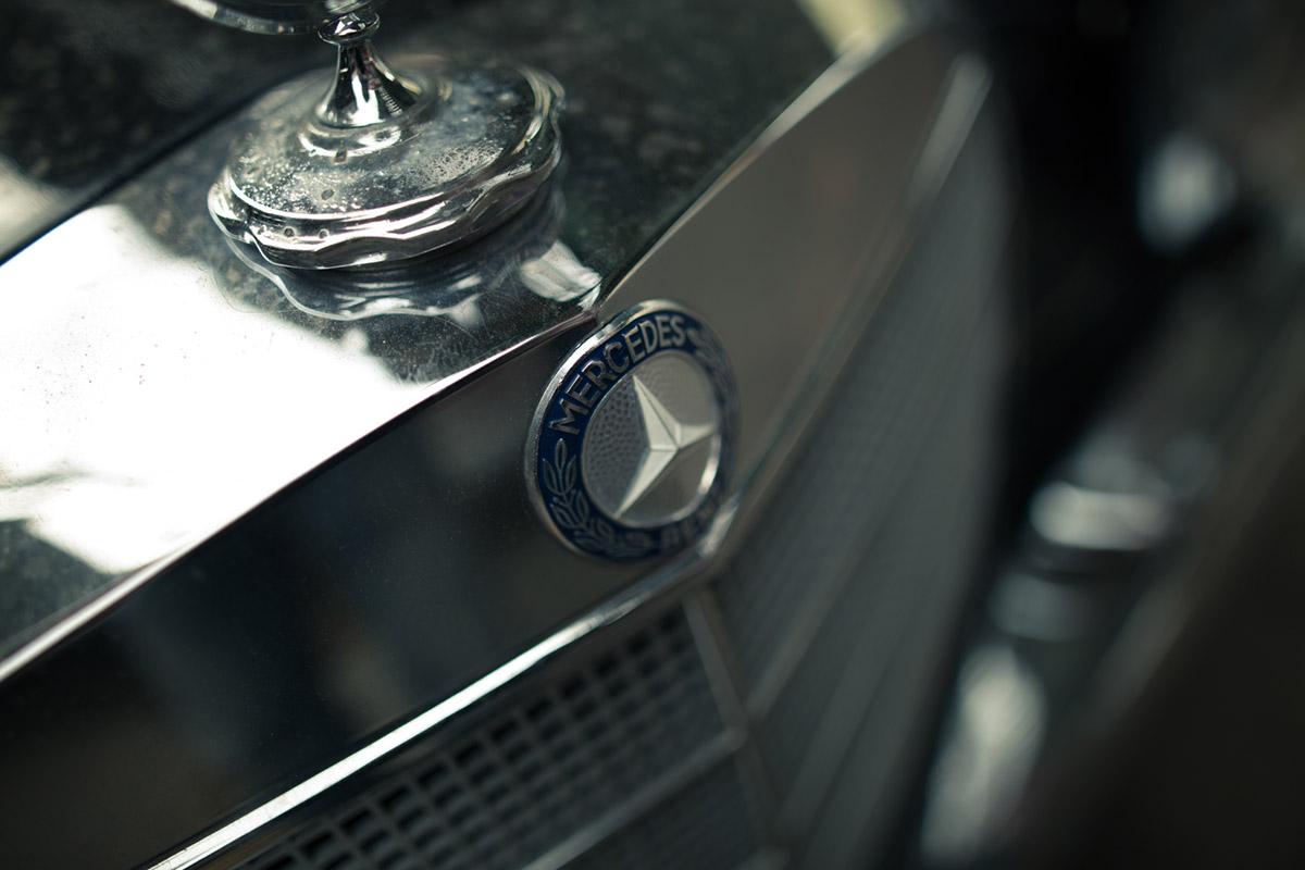 """""""Mercedes"""" em f/1.4 1/800 ISO100."""