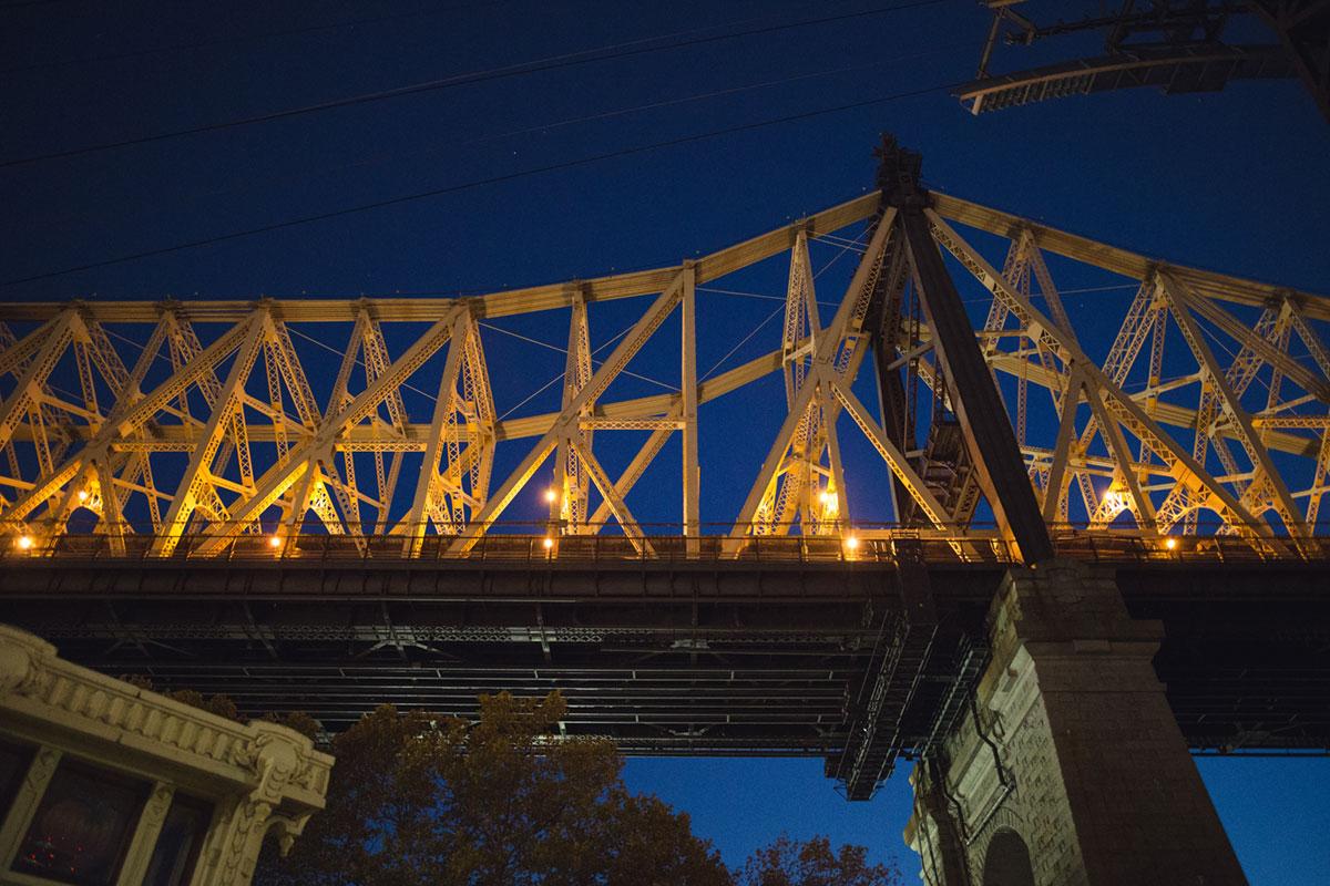 """""""Queensboro Bridge"""" em f/1.4 1/60 ISO5000."""