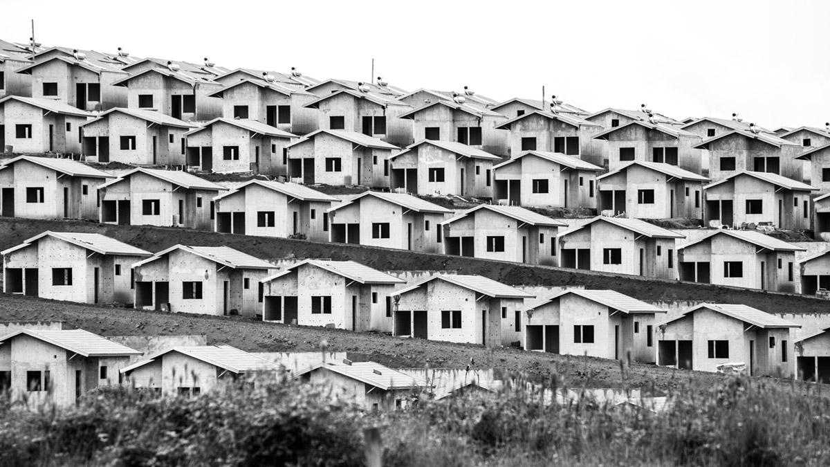 """""""Casas II"""" em f/8 1/640 ISO400 @ 300mm; composição criativa esconde qualquer distorção."""