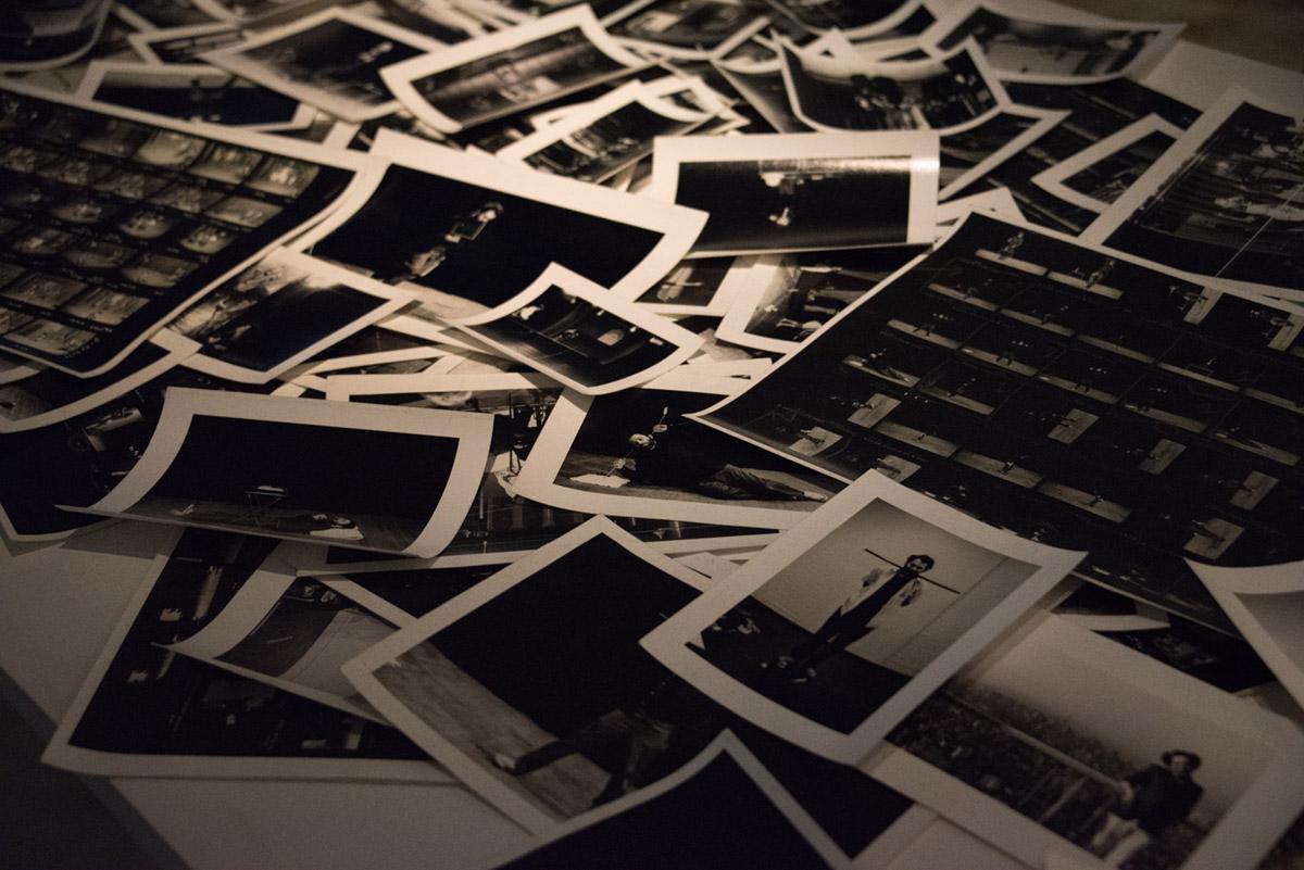"""""""Fotos"""" em f/4.5 1/100 ISO12800 @ 56mm."""