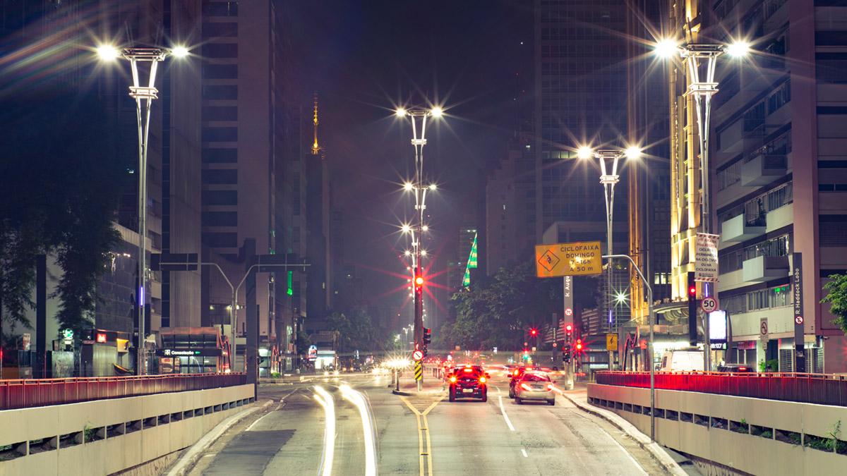"""""""Av. Paulista"""" em f/22 10"""" ISO100."""