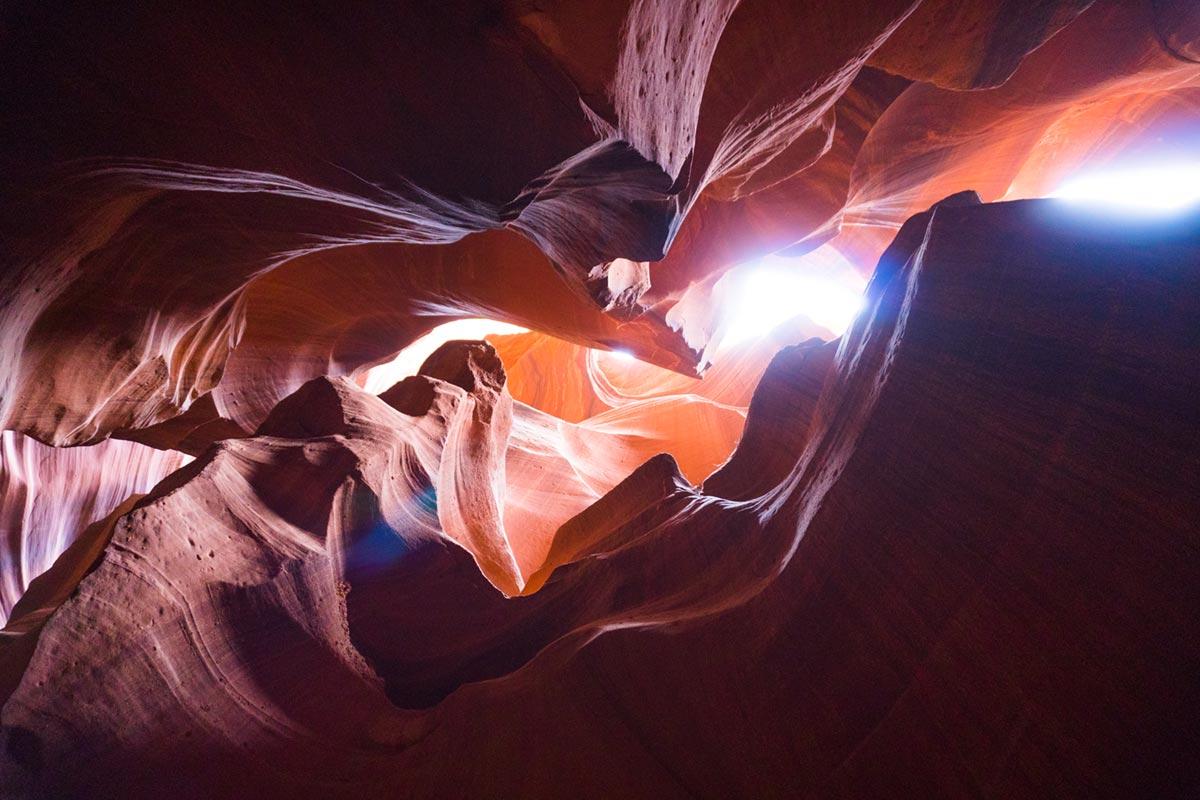 """""""Antelope Canyon II"""" at f/3.5 1/25 ISO1600 @ 16mm; performance invejável em pouca luz, com ISO alto e obturador lento."""