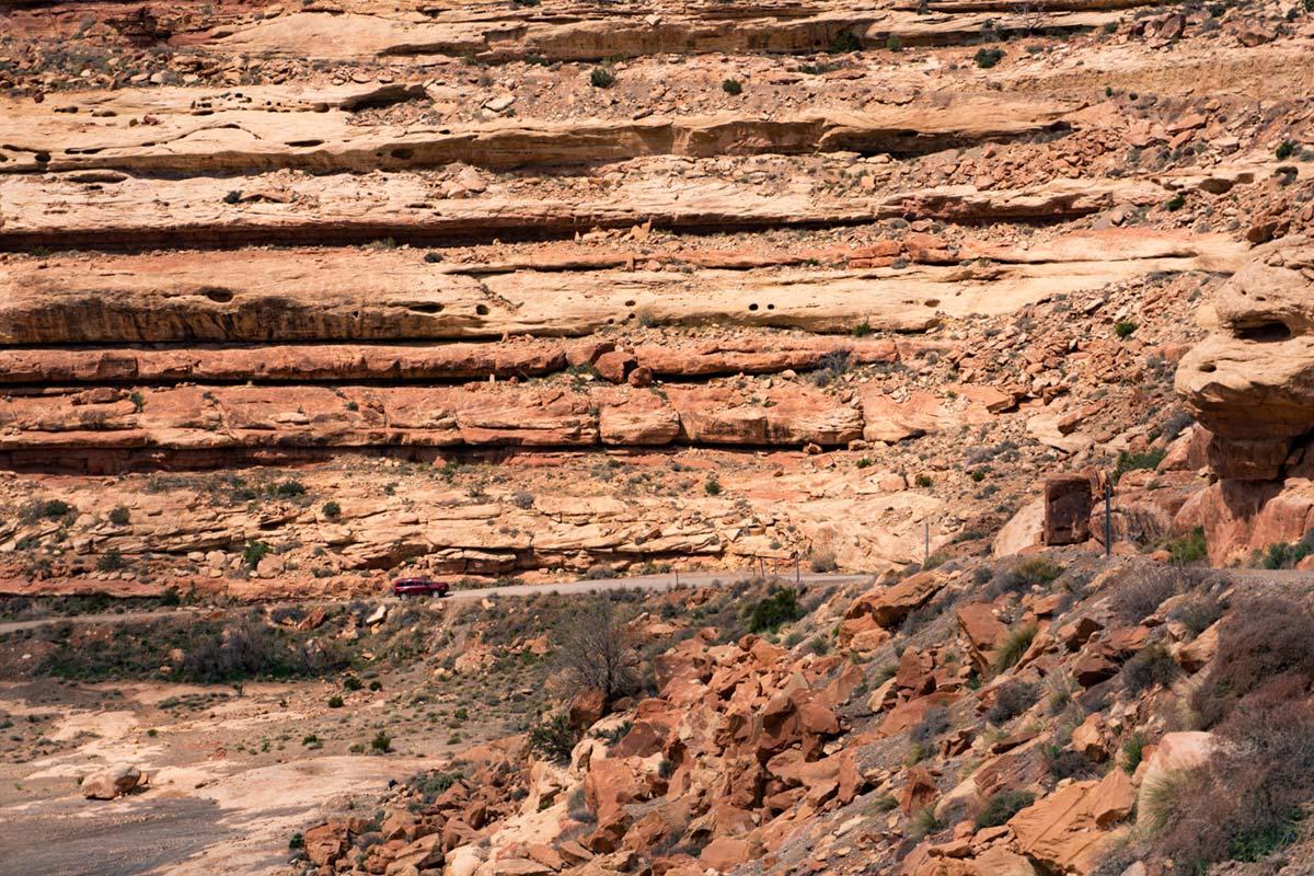 """""""Cherokee"""" at f/6.3 1/800 ISO100 @ 50mm; paredão de rochas, puxando o limite dos detalhes da A6300."""