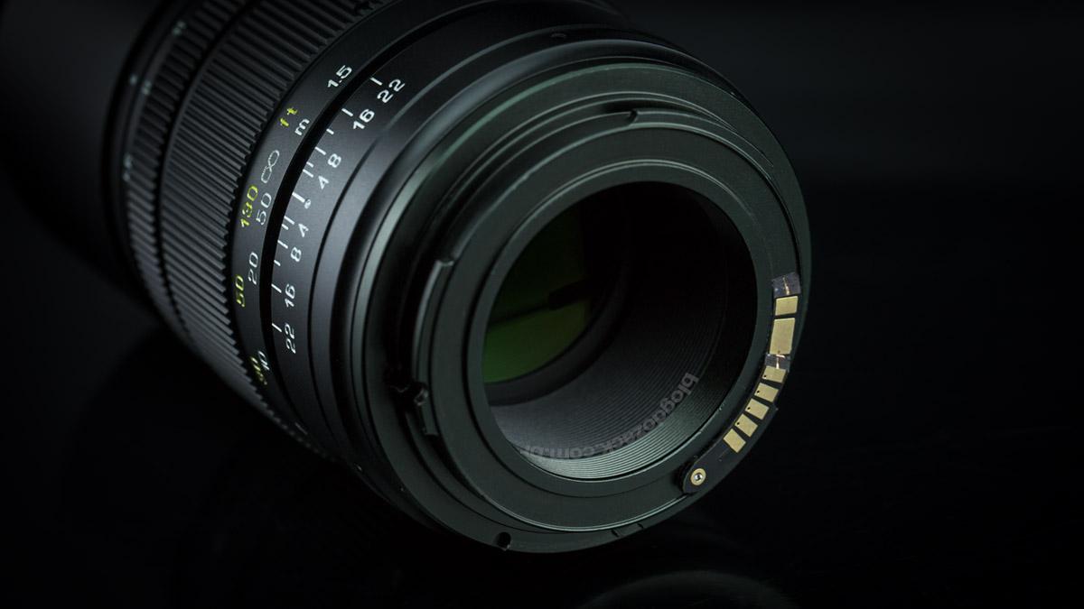 Mitakon CREATOR 135mm f/2.8 II