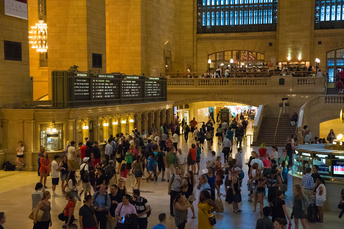 """Grand Central II"" at f/5.6 1/80 ISO11400 @ 46mm; f/5.6 em ambiente fechado!"