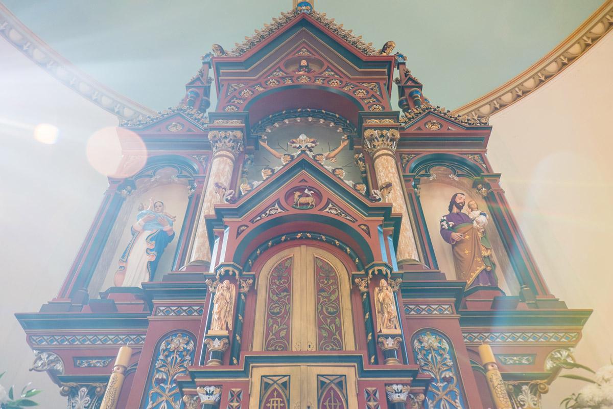 """""""Altar"""" em f/3.5 1/60 ISO400 @ 18.5mm; pior exemplo de flaring, matando o contraste da foto."""