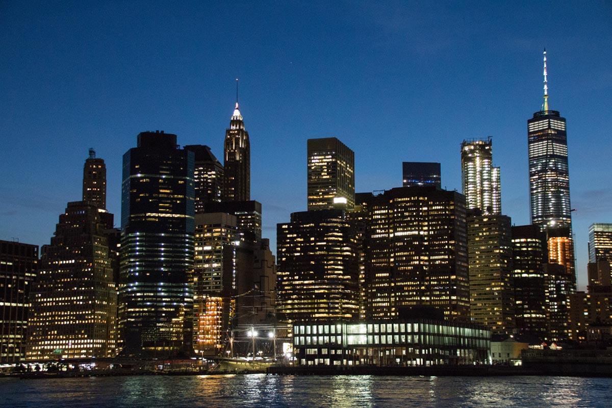 """Lower Manhattan"" em f/5 1/15 ISO3200 @ 37mm."