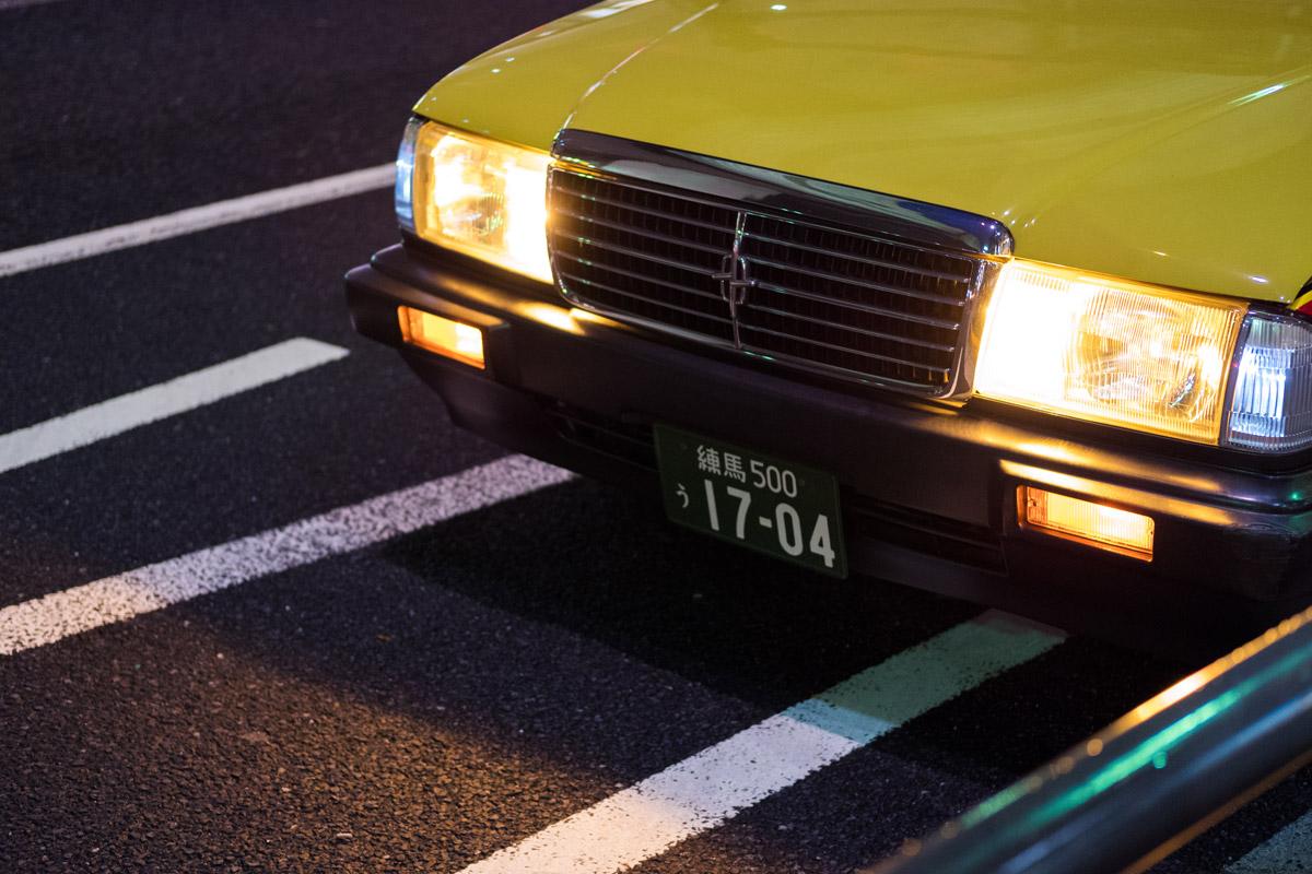 """""""Faróis"""" em f/2 1/125 ISO1600; prática ausência de reflexos, não importa a luz forte de luz."""